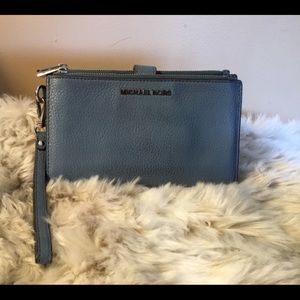 Michaels Kors Gray/Blue Wristlet with many pockets